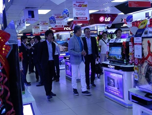 Ông Kazuo Hirai, Chủ tịch kiêm Tổng giám đốc tập đoàn SONY đến tham quan hệ thống Trung tâm Mua sắm Nguyễn Kim