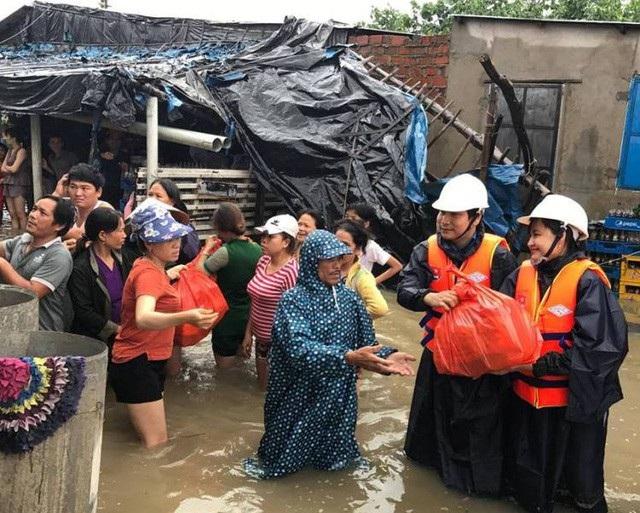 Các địa phương bị thiệt hại do bão số 12 đang rất cần sự hỗ trợ của cả nước. (Ảnh: Doãn Công).