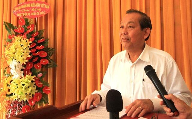 Phó Thủ tướng Trương Hòa Bình phát biểu chúc mừng các Hòa thượng, Đại đức, đồng bào phật tử tại Cần Thơ