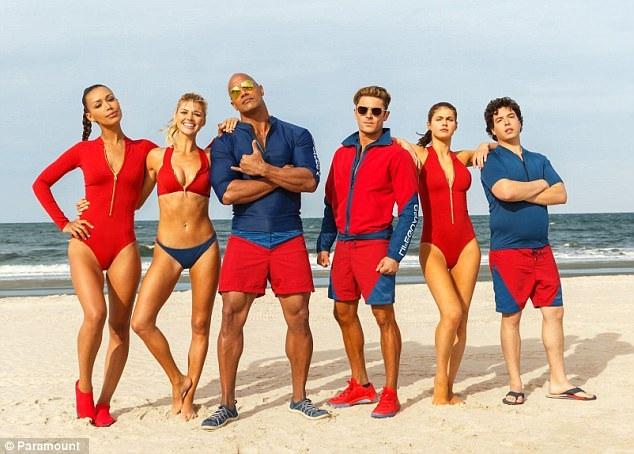 """Mới đây, Dwayne xuất hiện trong phim """"Baywatch"""" (Đội cứu hộ bãi biển)."""
