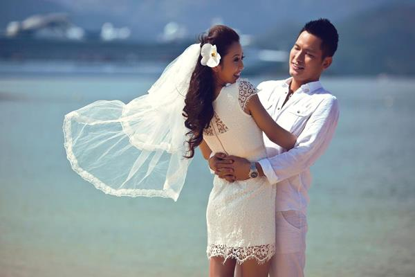 Cuộc hôn nhân thứ nhất kết thúc chóng vánh sau khi hai người có với nhau một mặt con. Đến cuối năm 2012, Jennifer Phạm tái hôn cùng doanh nhân Đức Hải và nhanh chóng có thêm hai con với người chồng sau.