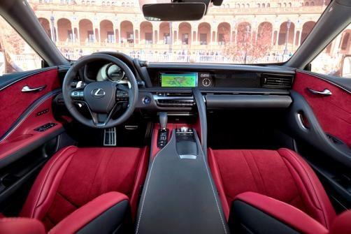 Lexus LC 500 có nội thất được đánh giá cao ở tính táo bạo, thực dụng và gây cảm hứng.