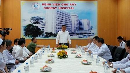 Bí Thư Đinh La Thăng đến chúc mừng năm mới Bệnh viện Chợ Rẫy