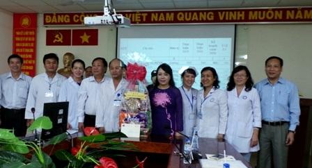 Bộ trưởng đến thăm và chúc Tết tại 3 bệnh viện trên địa bàn TPHCM