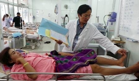 Theo BS Quang Sơn, nếu được phẫu thuật sớm, người bệnh có thể hồi phục được chức năng vận động