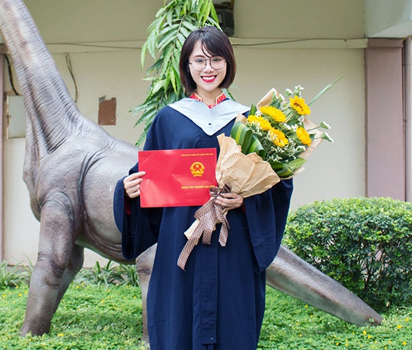 Nguyễn Linh Chi - nữ Thủ khoa xinh đẹp và rất cá tính của trường ĐH Mỏ - Địa chất