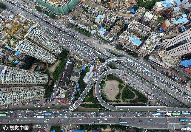 Toàn cảnh các làn đường giao thông nhìn từ trên cao