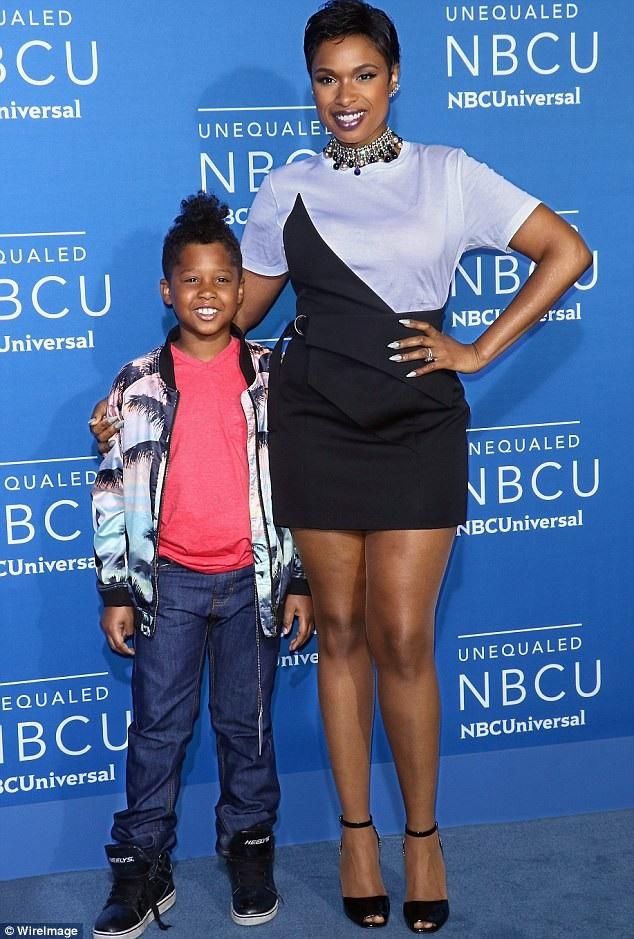 Jennifer Hudson bên con trai hồi tháng 5 vừa qua.