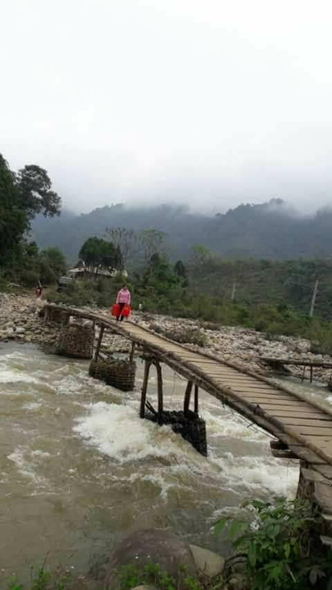 Đây là cầu tạm do dân tự làm ở thôn 3 xã Phong Dụ Thượng