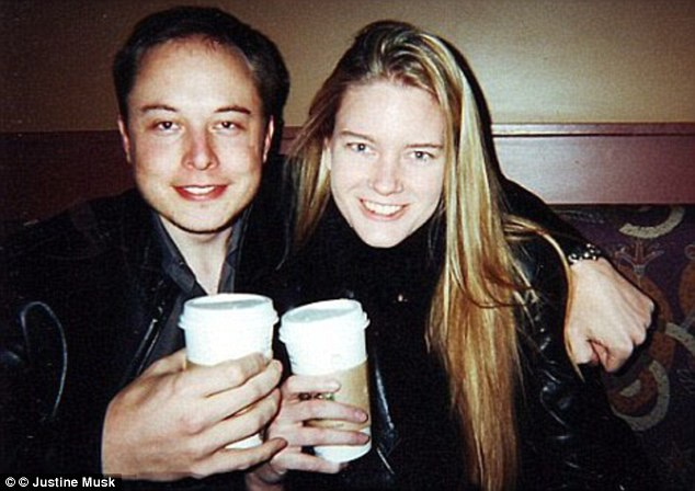 Elon Musk và người vợ đầu - nữ nhà văn người Canada - Justine Musk.