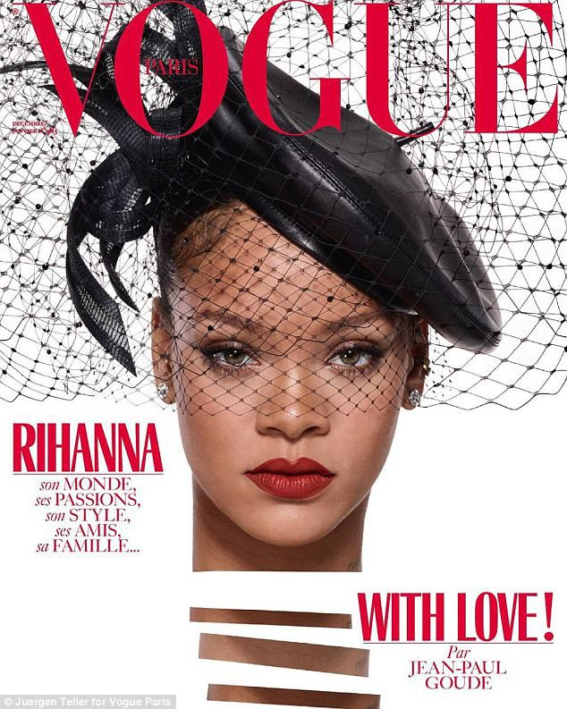 Trong cuộc phỏng vấn gần đây với tờ tạp chí Vogue (Pháp), Rihanna đã chia sẻ nhiều điều về cuộc sống riêng. Rihanna tiết lộ rằng cô chỉ ngủ chưa đầy 3-4 tiếng mỗi đêm do bị mắc chứng khó ngủ kinh niên.