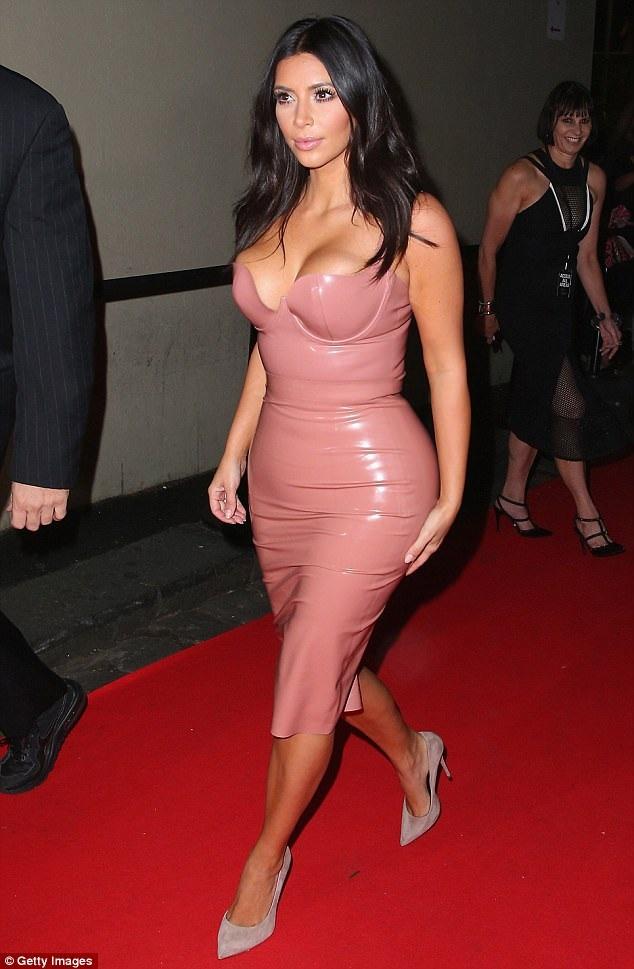 Ngôi sao truyền hình thực tế Kim Kardashian.