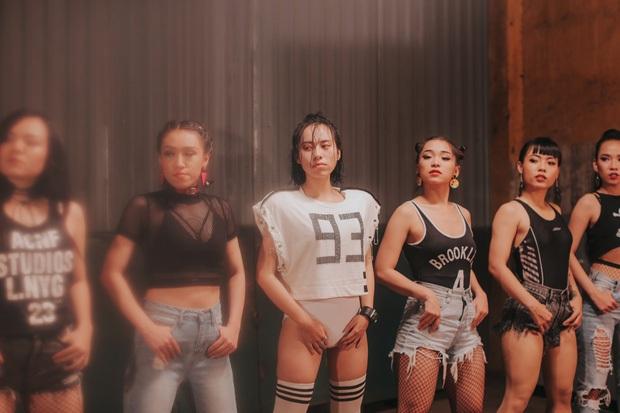 Hình ảnh trong MV Như cái lò được cho là giống...