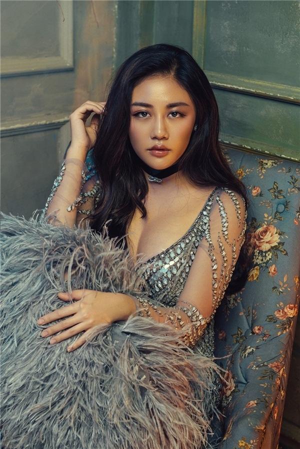 Văn Mai Hương là một cô gái giàu xúc cảm, dễ rơi nước mắt.