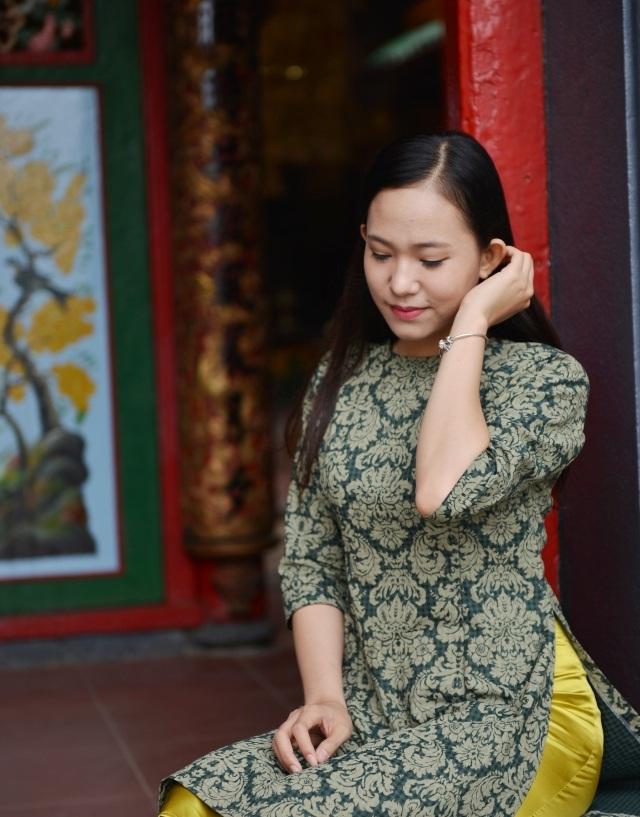 Hoa khôi Nguyễn Thùy Trang: Tết về quê để cảm nhận sự ấm áp, yêu thương của gia đình.