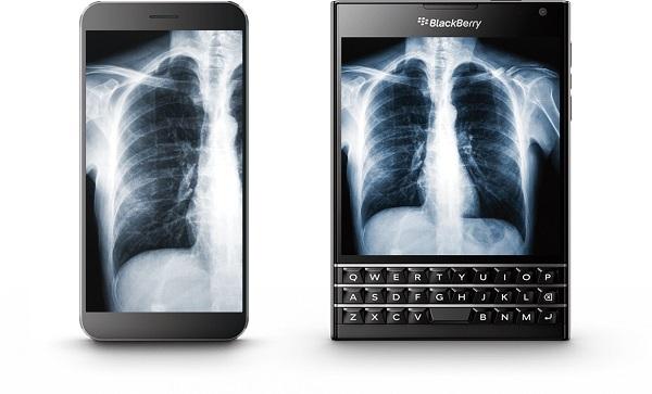Người ta thậm chí từng sản xuất những chiếc smartphone hình vuông, điển hình như BlackBerry Passport, khiến nó trông giống như một chiếc TV thu nhỏ thay vì điện thoại thông thường.