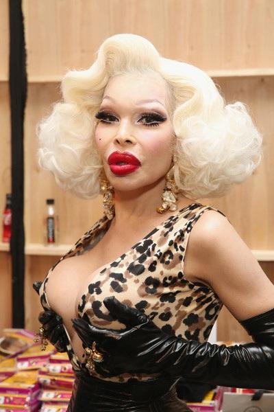 Cô từng xuất hiện trên tạp chí Playboy và khá nhiều bộ phim