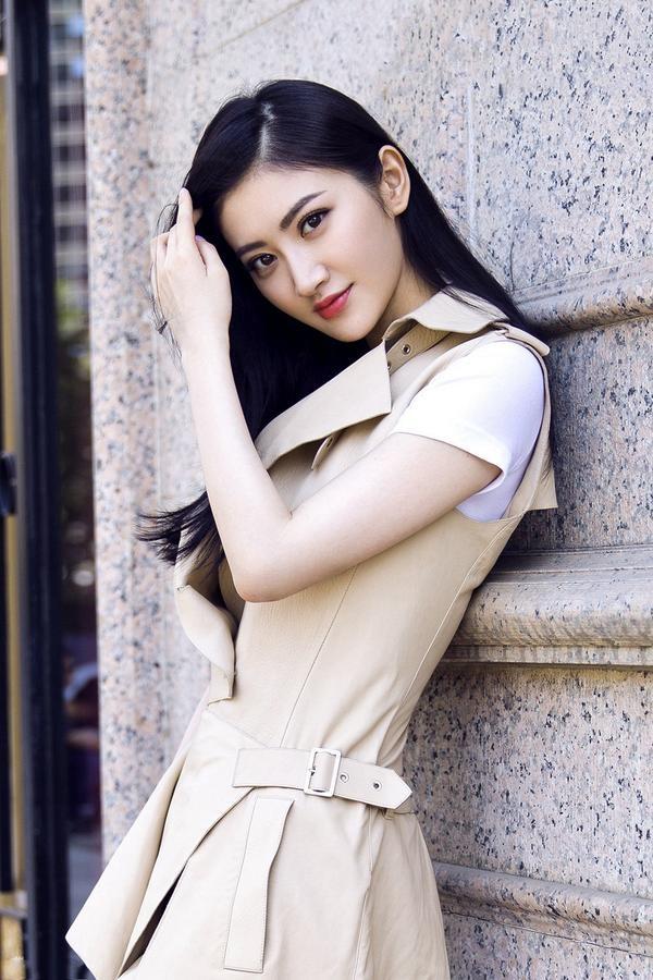 """Tiết lộ về nữ diễn viên châu Á xinh đẹp duy nhất trong phim """"Kong"""" - 5"""