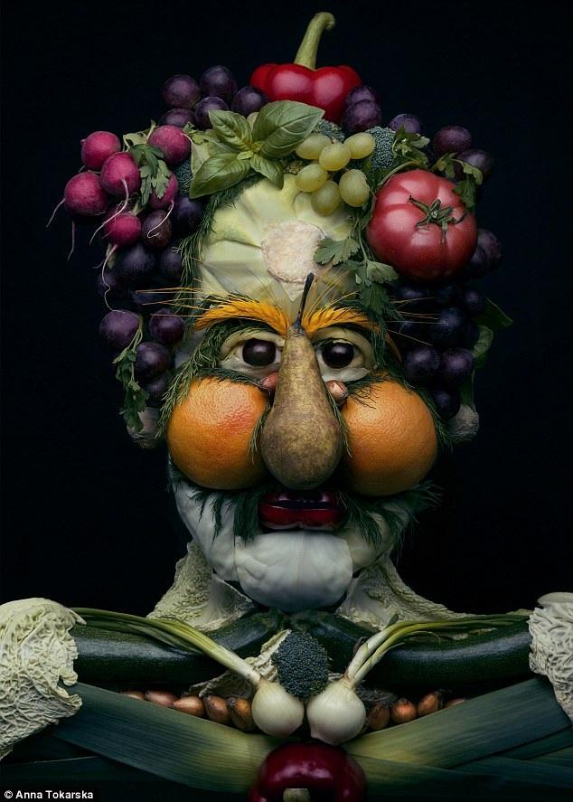 Những tác phẩm của chị giờ đang trở nên nổi tiếng và được lan truyền trên mạng xã hội. Như trong tác phẩm này, Anna sử dụng trái lê làm mũi, trái cam làm má, xà lách làm cằm, chùm nho, củ cải, trái ớt và cà chua làm tóc cho nhân vật.