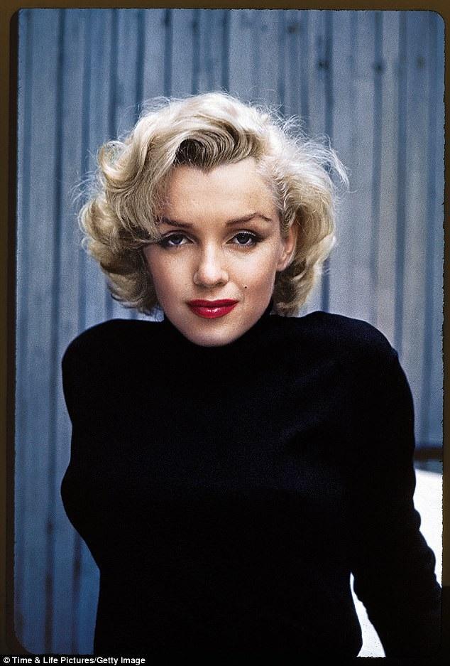 Marilyn Monroe qua đời năm 1962 ở tuổi 36 vì sốc thuốc.