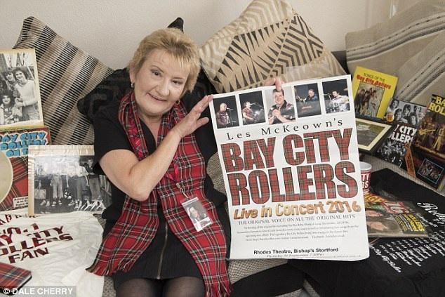 Bà Heather đã từng chi ra số tiền lớn để mua vé đến xem hàng ngàn buổi biểu diễn của Bay City Rollers đồng thời sưu tập rất nhiều kỷ vật về nhóm.