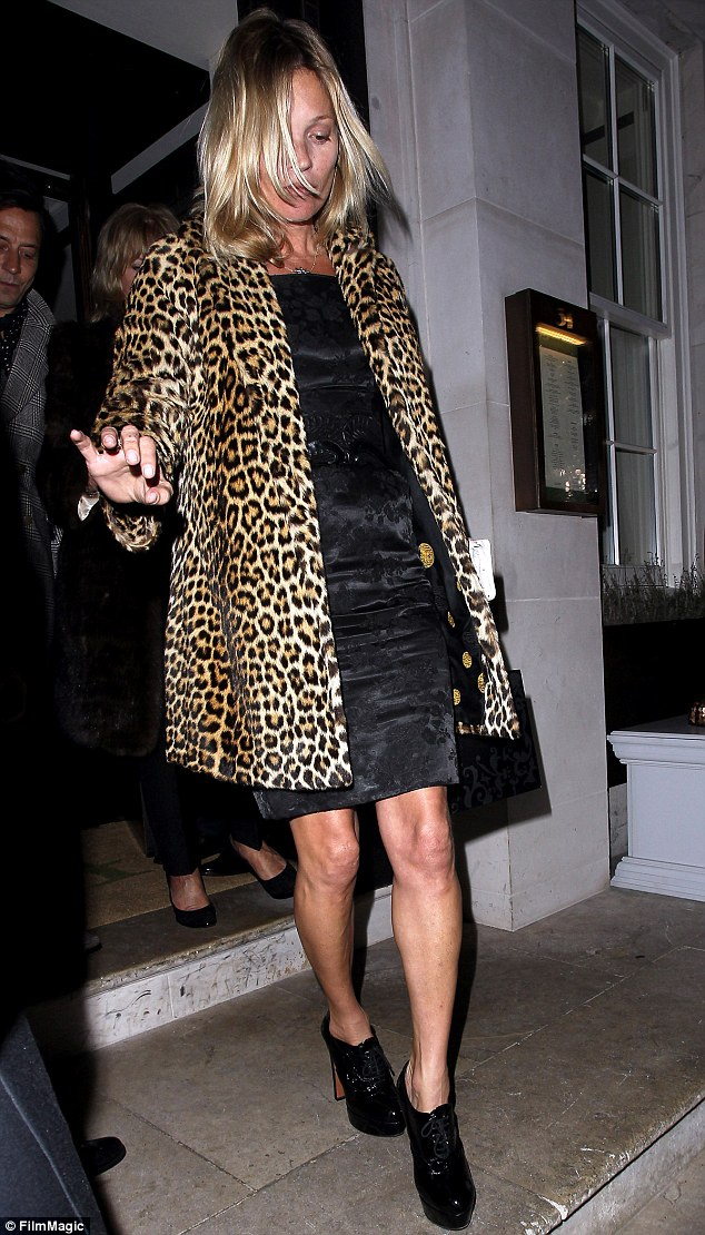 Tháng 1/2014, cô tiếp tục quay trở lại với phong cách quen thuộc khi tổ chức tiệc mừng sinh nhật tuổi 40 tại một nhà hàng ở London, Anh.