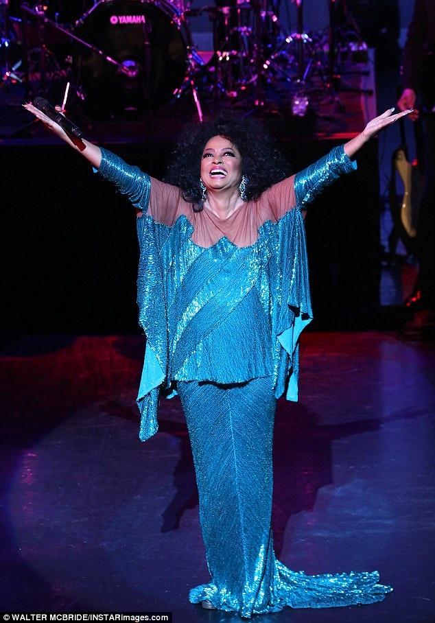 """Ngoài ca hát, Diana Ross cũng từng thử sức với diễn xuất. Vai diễn chính của bà trong """"Lady Sings the Blues"""" (1972) từng nhận được đề cử tại giải Quả Cầu Vàng và Oscar."""