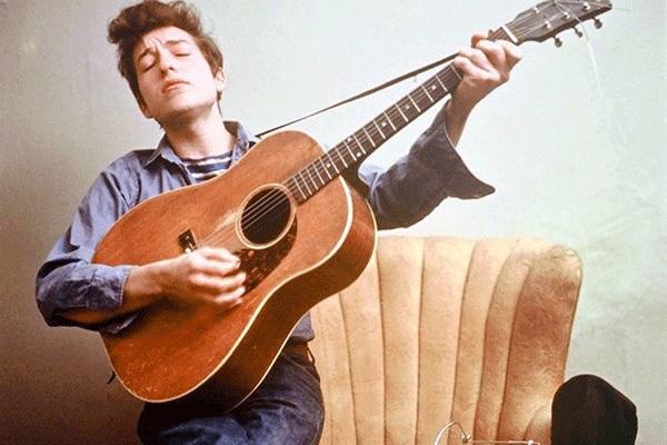 Bob Dylan vừa kịp nhận giải thưởng Nobel Văn học hơn 20 tỷ đồng - 2