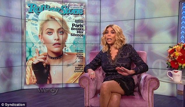 MC Wendy Williams cho rằng, Paris Jackson đang dựa bóng người cha đã mất để gây chú ý.