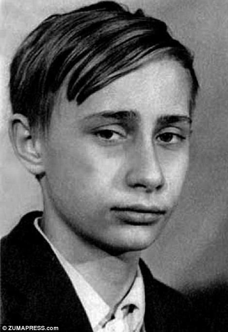 Ông Putin ở tuổi thiếu niên.