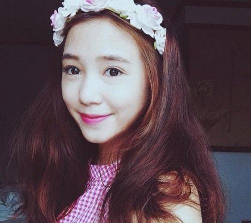 Cô sở hữu vẻ đẹp chuẩn con gái Hà Nội