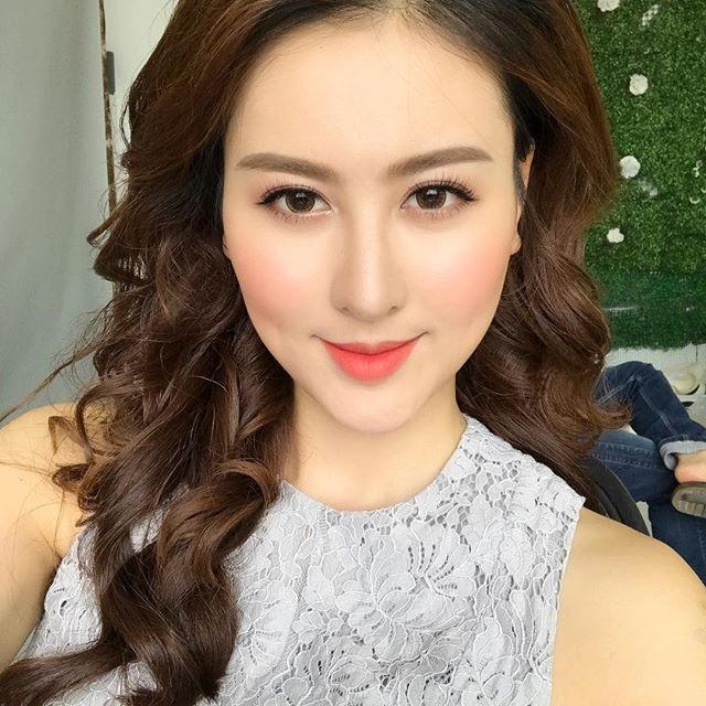Hot girl Hà Lade