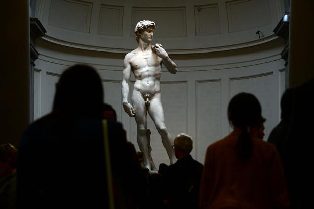Cấm sử dụng hình ảnh tượng David khỏa thân - 1