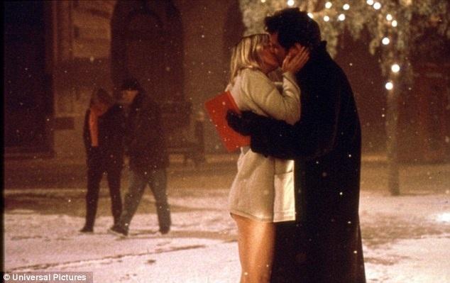 """Nụ hôn trong làn tuyết giữa Bridget và Mark trong """"Bridget Joness Diary"""" (Nhật ký tiểu thư Jones - 2001) đứng thứ 6."""