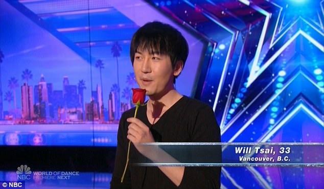 """Will Tsai trình diễn một màn ảo thuật hiếm thấy. Trước đây, tiết mục ảo thuật kiểu này chưa từng được biểu diễn trên sân khấu của """"Americas Got Talent""""."""