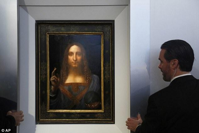"""Bức """"Christ as Salvator Mundi"""" do danh họa Leonardo da Vinci thực hiện năm 1499, từng được tỷ phú người Nga Dmitry Rybolovlev mua hồi năm 2013 với mức giá 127,5 triệu USD (gần 2.900 tỷ đồng)."""