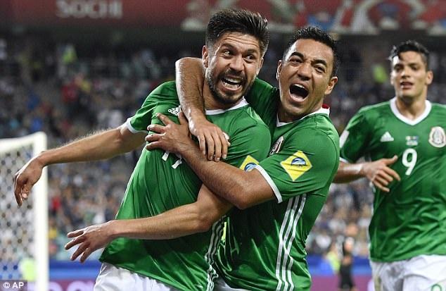 Mexico ngược dòng giành thắng lợi 2-1 ở hiệp 2