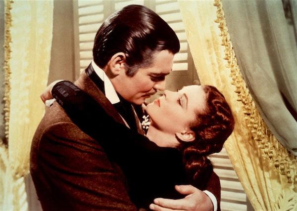 """Nụ hôn giữa Rhett Butler và Scarlett O'Hara trong """"Gone With the Wind"""" (Cuốn theo chiều gió - 1939) đứng vị trí thứ 9."""