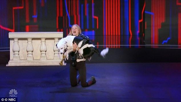 Sara và chú chó Hero đã nhận được nhiều lời khen ngợi từ ban giám khảo.
