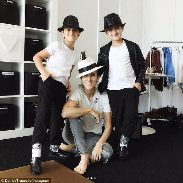Hiện tại, Celine Dion đã ổn định lại sự nghiệp và cuộc sống riêng. Cô chia sẻ nhiều điều tích cực, lạc quan sau sự ra đi của người chồng gắn bó suốt 22 năm. Ông René Angélil đã qua đời vì bệnh ung thư ở tuổi 73 hồi tháng 1/2016.