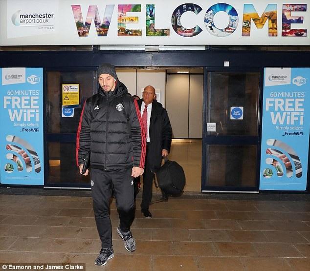 Ibrahimovic có trận đấu đầu tiên ở Champions League mùa giải năm nay, anh vẫn tiếp tục vào sân từ băng ghế dự bị