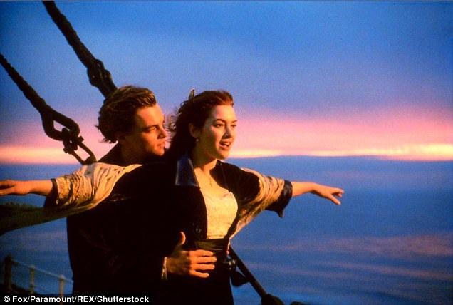"""Kate và Leo đã trở thành những ngôi sao màn bạc quốc tế sau khi xuất hiện trong bộ phim tình cảm kinh điển - """"Titanic"""" (1997)."""