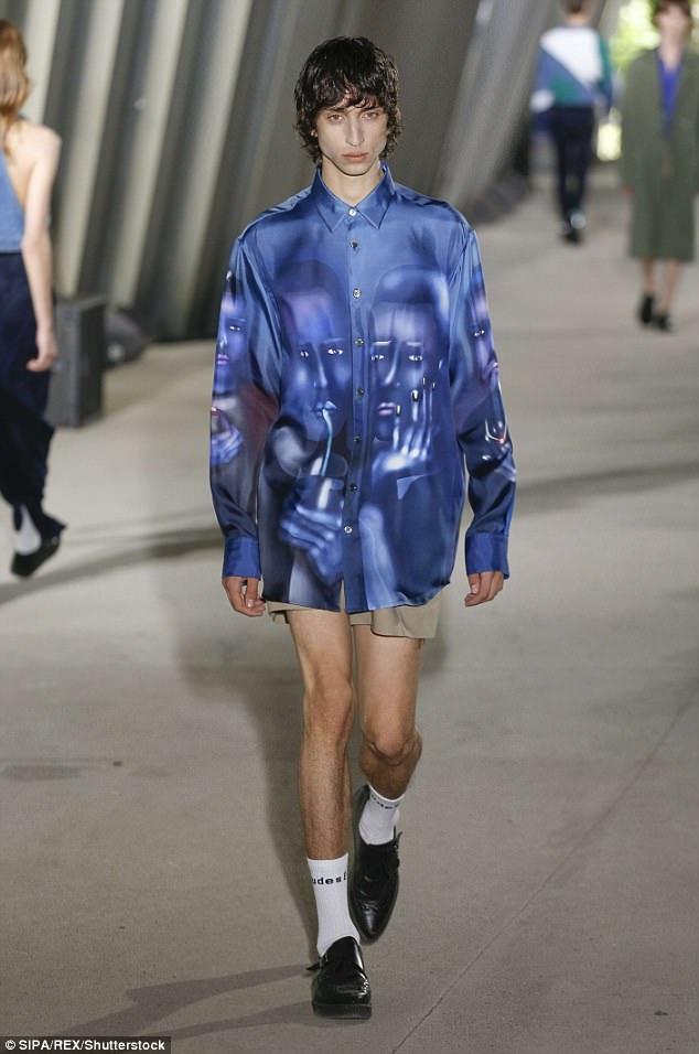 Nền công nghiệp thời trang có sức mạnh to lớn trong việc gây ảnh hưởng tới cách chúng ta nghĩ về diện mạo, hình thể của mình. Xu hướng người mẫu nam gầy gò dù mới xuất hiện, nhưng đã gây nên những lo ngại về hệ lụy đối với sức khỏe thanh thiếu niên.