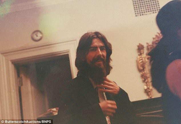 Cuộc gặp tốt đẹp đã không đưa lại một buổi hội ngộ trên sân khấu giữa John Lennon và George Harrison.