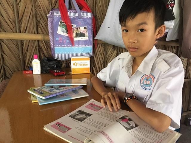 Em Quang có nguy cơ bỏ học giữa chừng do nhà nghèo khó