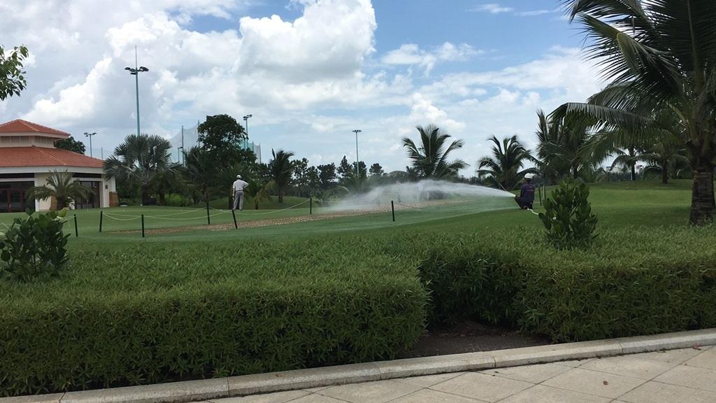Cận cảnh sân golf VIP nằm trong… sân bay Tân Sơn Nhất - 3