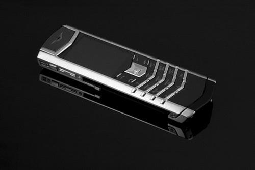 Vertu Signature S là dòng điện thoại có nhiều biến thể khác nhau.