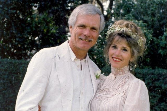 Nữ diễn viên Jane Fonda và người sáng lập hãng tin CNN - Ted Turner