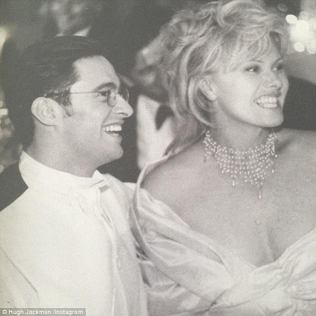 Trong dịp kỷ niệm 20 năm ngày cưới, Hugh Jackman từng đăng tải một bức ảnh chụp tại hôn lễ của cặp đôi.