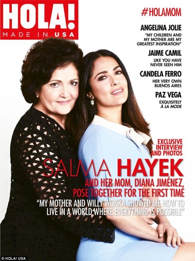 Nữ diễn viên Salma Hayek tiết lộ nỗi sợ hãi bí mật trong cuộc phỏng vấn mới nhất với tờ tạp chí Hola! (Mỹ). Trên trang bìa ấn bản số ra tháng 5 của tờ tạp chí, Hayek xuất hiện bên cạnh mẹ của mình - nữ ca sĩ opera Diana Jiménez Medina - nhân dịp tháng 5 có Ngày của Mẹ (14/5).